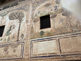 Faded glory - Mandawa haveli